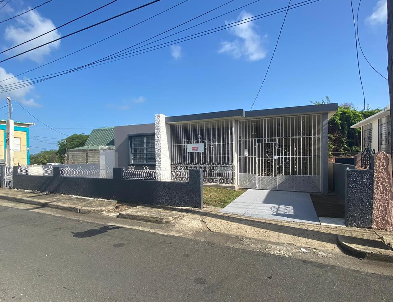 Pueblo, Calle Retiro, Guayama / VENDIDA